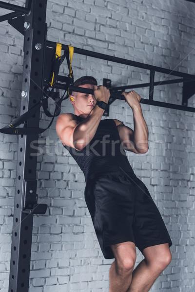 Stock fotó: Férfi · húzás · fiatal · sportos · sportruha · felfelé