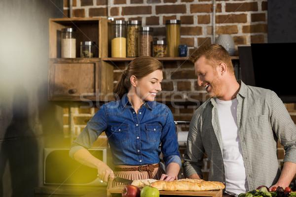 Paar koken diner samen portret jonge Stockfoto © LightFieldStudios