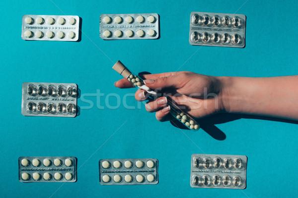 Gyógyszer hólyag felső kilátás kéz tart Stock fotó © LightFieldStudios