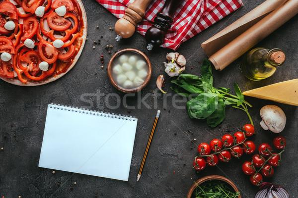 Top Ansicht Pizza Notebook Rezept konkrete Stock foto © LightFieldStudios
