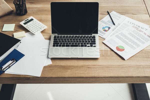 Işyeri dizüstü bilgisayar belgeler modern büro iş Stok fotoğraf © LightFieldStudios