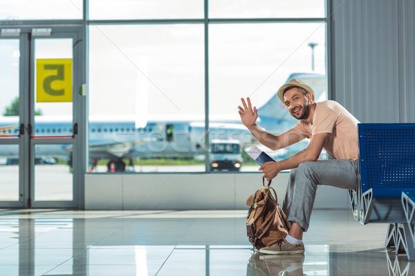 человека кто-то аэропорту счастливым рюкзак Сток-фото © LightFieldStudios