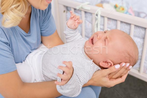 Moeder huilen baby shot handen Stockfoto © LightFieldStudios