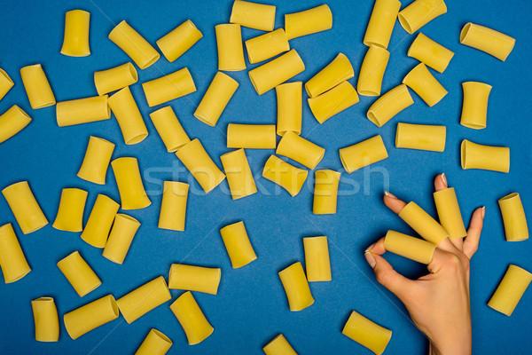 Femme ok signe brut spaghettis Photo stock © LightFieldStudios