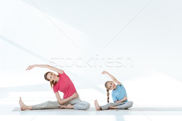 幸せ 母親 娘 スポーツウェア 行使 ヨガ ストックフォト © LightFieldStudios