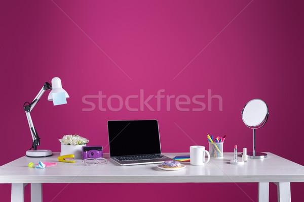Laptop képernyő fánk kávé kamera kozmetika Stock fotó © LightFieldStudios