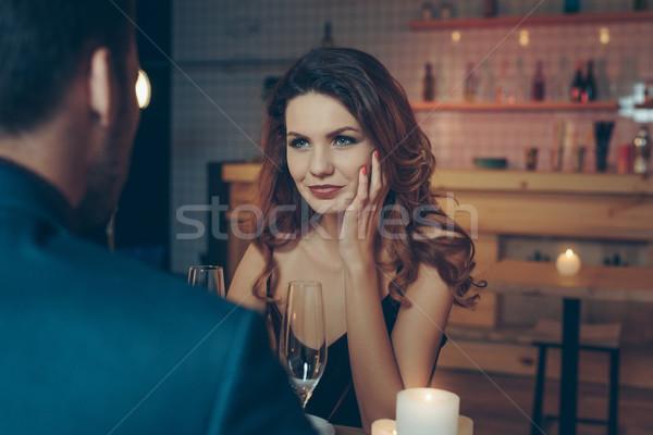 Nő néz fiúbarát kilátás gyönyörű nő romantikus Stock fotó © LightFieldStudios