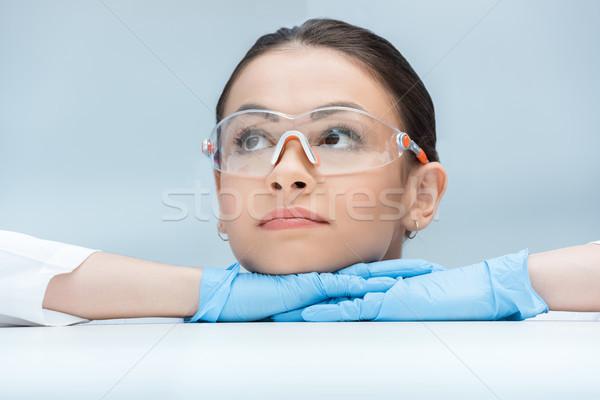 Portré töprengő tudós másfelé néz labor Stock fotó © LightFieldStudios