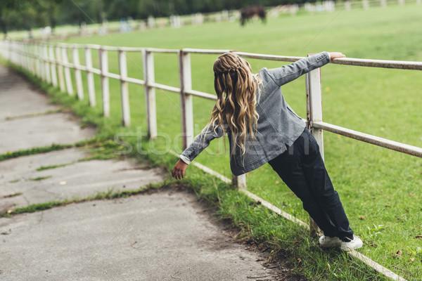 Nino caminando cerca Foto stock © LightFieldStudios