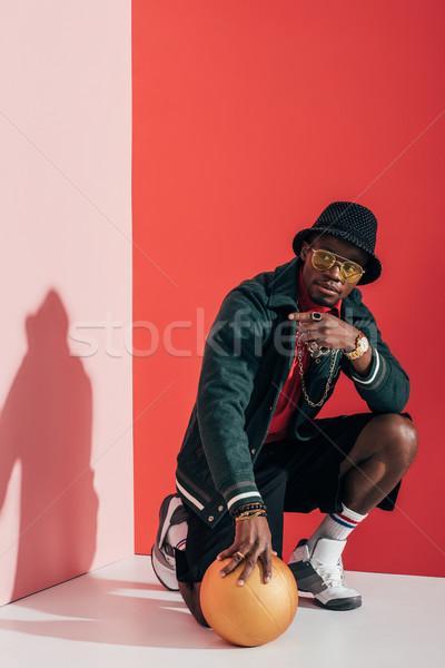 şık adam top güneş gözlüğü Stok fotoğraf © LightFieldStudios