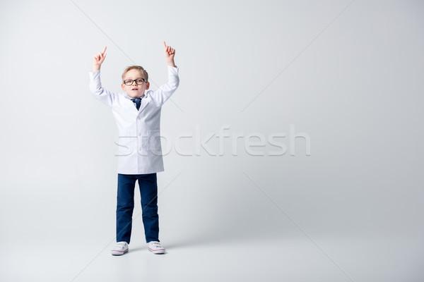 Jongen spelen arts geschokt weinig kostuum Stockfoto © LightFieldStudios