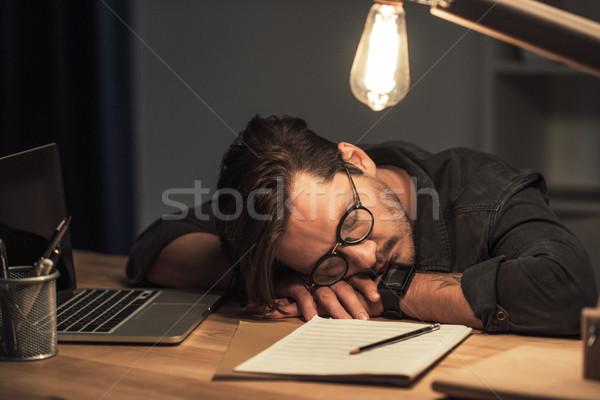 Muzikant slapen werkplek overwerkt jonge muziek Stockfoto © LightFieldStudios