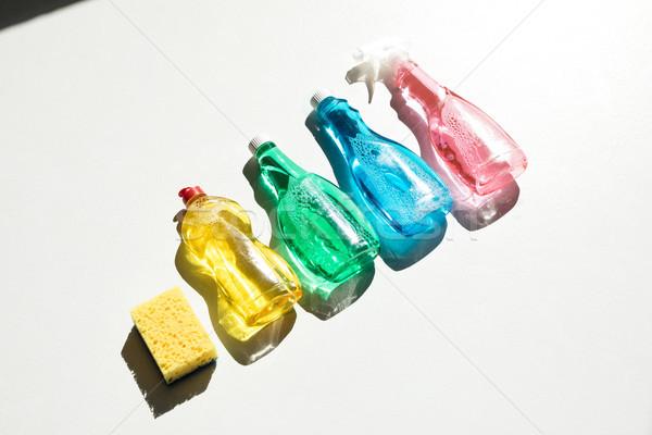 Сток-фото: чистящие · средства · губки · мнение · пластиковых · бутылок