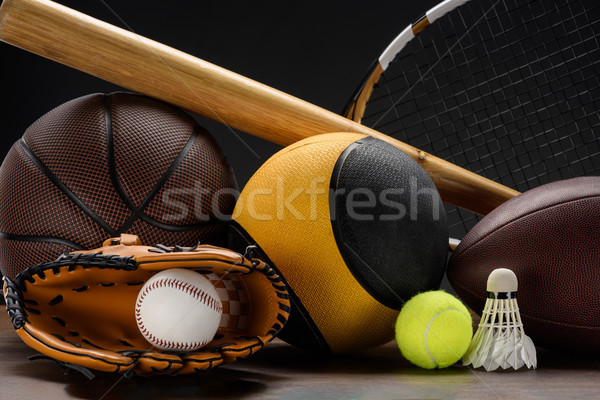 Artículos deportivos primer plano tiro bate de béisbol Foto stock © LightFieldStudios