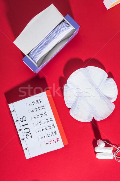 Top view tutti i giorni calendario rosso medicina Foto d'archivio © LightFieldStudios