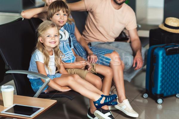Stok fotoğraf: Aile · havaalanı · genç · bekleme · yatılı · kadın
