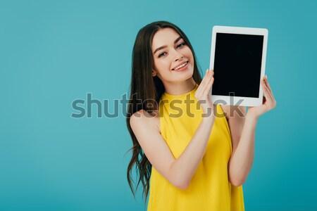 Stok fotoğraf: Gülen · genç · kız · dijital · tablet · işaret