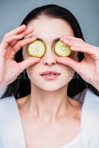 Mulher pepino olho máscara retrato Foto stock © LightFieldStudios