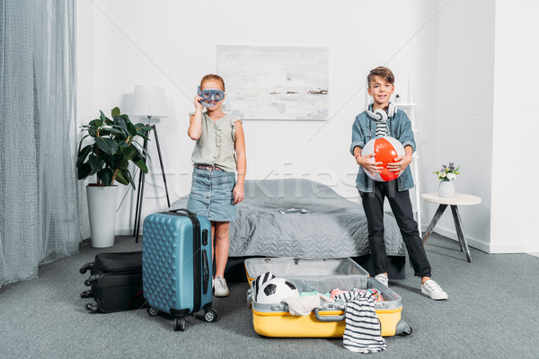 Dzieci ubrania podróży godny podziwu mały Zdjęcia stock © LightFieldStudios