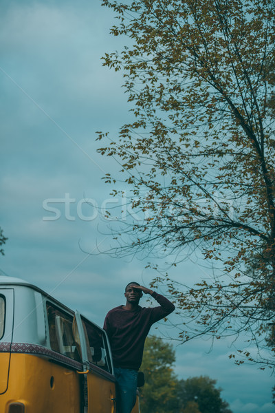 Afro férfi retro mikrobusz jóképű afroamerikai Stock fotó © LightFieldStudios