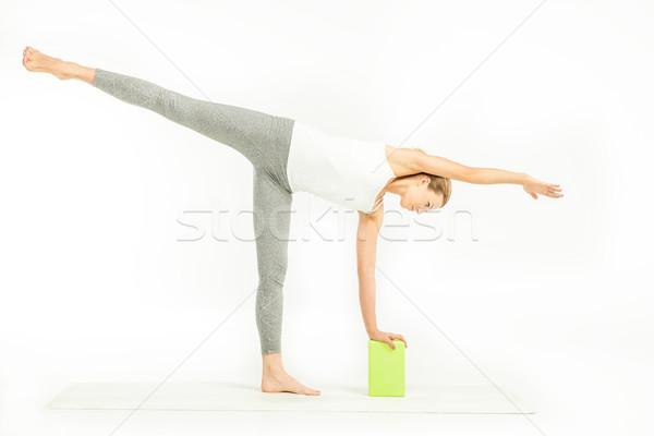 Stok fotoğraf: Egzersiz · yoga · ayakta · yoga · mat · yarım