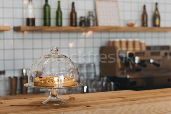 Torta counter primo piano view cafe Foto d'archivio © LightFieldStudios