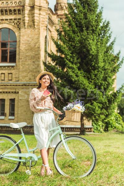 Foto d'archivio: Ragazza · anguria · bicicletta