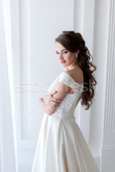 Atractivo novia elegante vestido de novia mujer boda Foto stock © LightFieldStudios