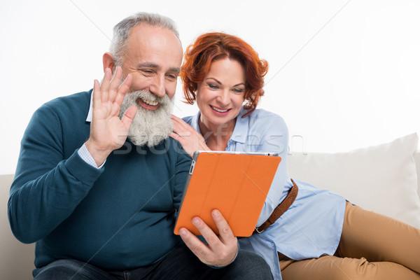 Сток-фото: пару · цифровой · таблетка · счастливым · зрелый
