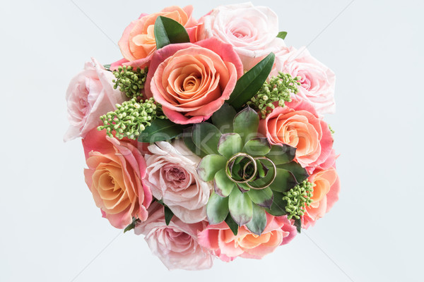 Haut vue or alliances belle bouquet Photo stock © LightFieldStudios