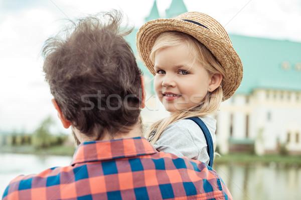 Mosolyog gyermek szalmakalap szelektív fókusz kislány néz Stock fotó © LightFieldStudios