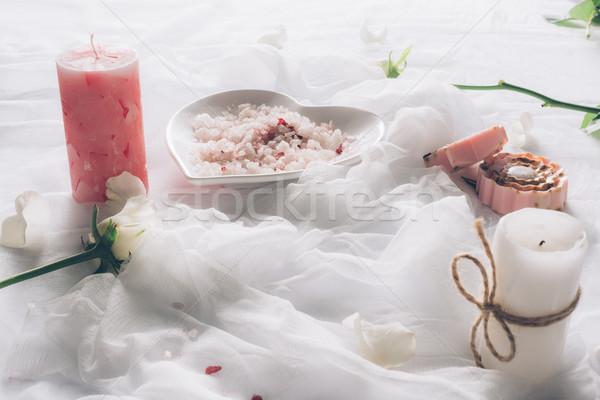 Terapi dekorasyon dinlenmek spa beyaz mumlar Stok fotoğraf © LightFieldStudios