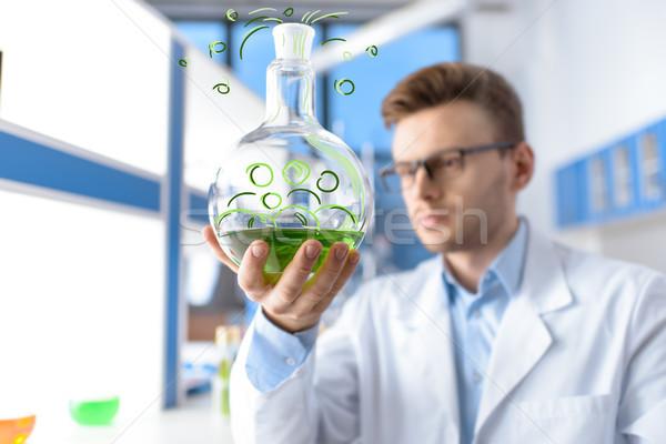 Kimyager genç erkek yeşil Stok fotoğraf © LightFieldStudios