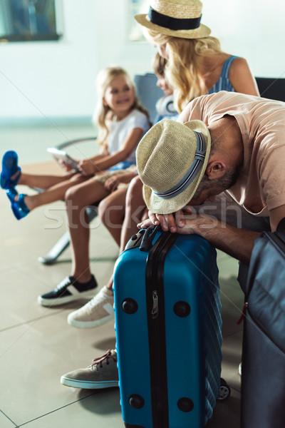 Stok fotoğraf: Adam · uyku · havaalanı · seçici · odak · bagaj · bekleme