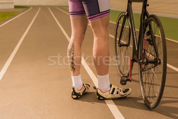 サイクリスト 立って 自転車 表示 サイクル ストックフォト © LightFieldStudios