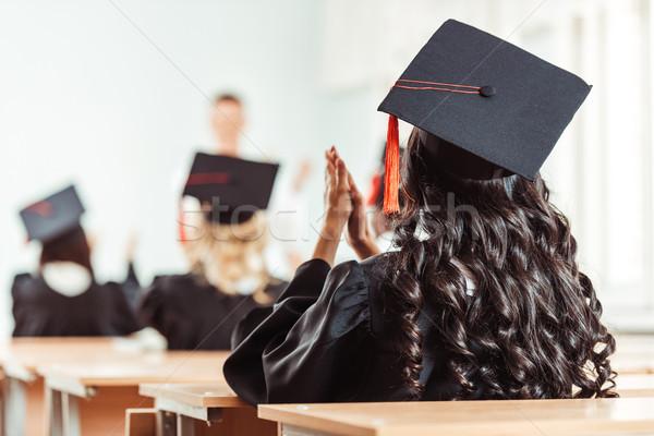 Student meisje afstuderen hoed achteraanzicht kostuum Stockfoto © LightFieldStudios