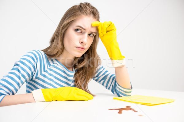 Ongelukkig vrouw rubberen handschoenen jonge vrouw klaar vlek Stockfoto © LightFieldStudios