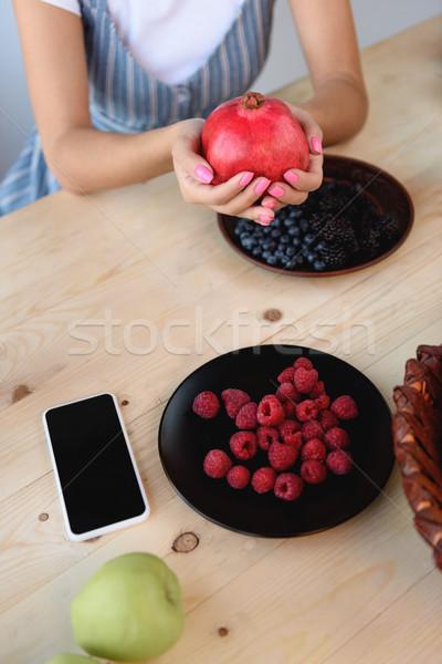 Foto stock: Mulher · toranja · mãos · ver · sessão