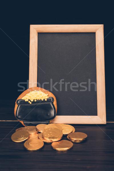 Vuota bordo monete pan di zenzero festa di San Patrizio Foto d'archivio © LightFieldStudios