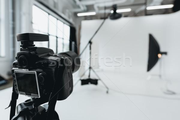 Numérique photo caméra studio matériel d'éclairage technologie Photo stock © LightFieldStudios