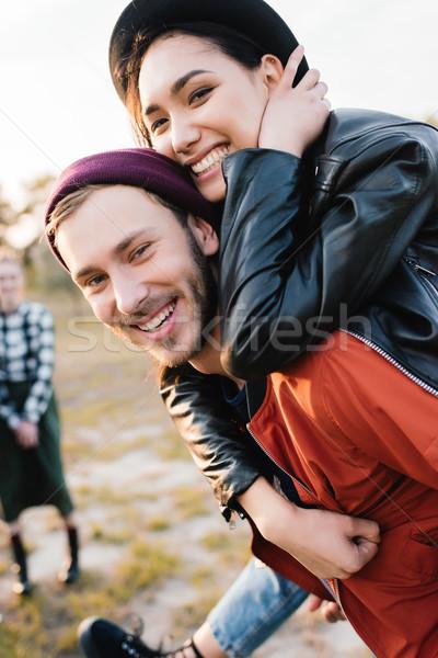 Gelukkig coupe samen selectieve aandacht naar camera Stockfoto © LightFieldStudios
