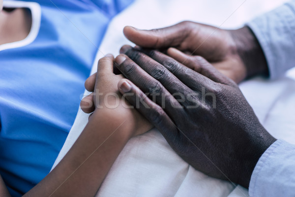 ストックフォト: 家族 · 手をつない · 表示 · アフリカ系アメリカ人 · 父から息子 · 一緒に