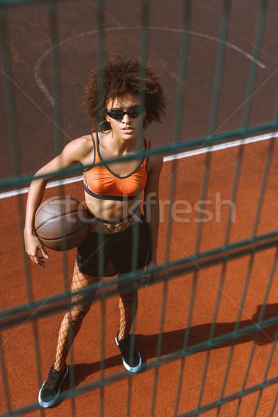 Сток-фото: женщину · баскетбол · молодые · спортивных · бюстгальтер