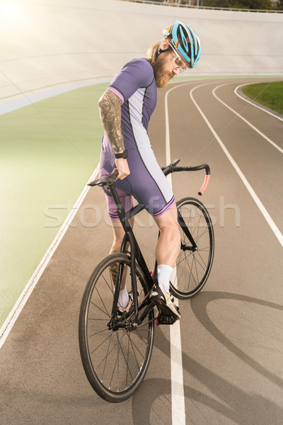 Fietser cyclus jonge helm stofbril Stockfoto © LightFieldStudios