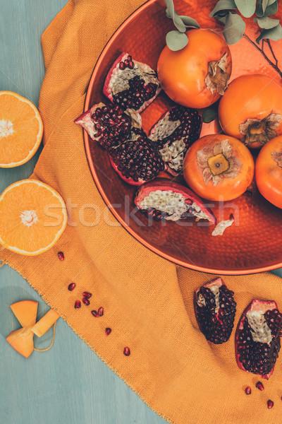 üst görmek olgun meyve plaka turuncu Stok fotoğraf © LightFieldStudios