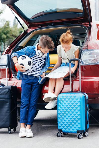 ストックフォト: 弟 · 姉妹 · 車 · 愛らしい · 旅行 · 家族