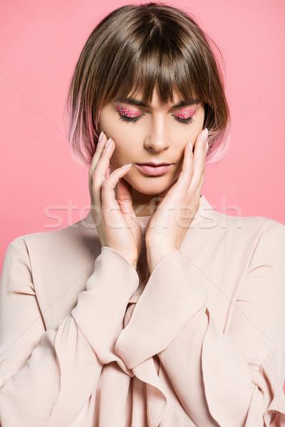 Mulher make-up rosa cabelo jovem Foto stock © LightFieldStudios