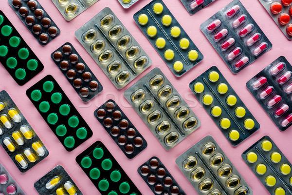 Gyógyszer hólyag felső kilátás különböző tabletták Stock fotó © LightFieldStudios