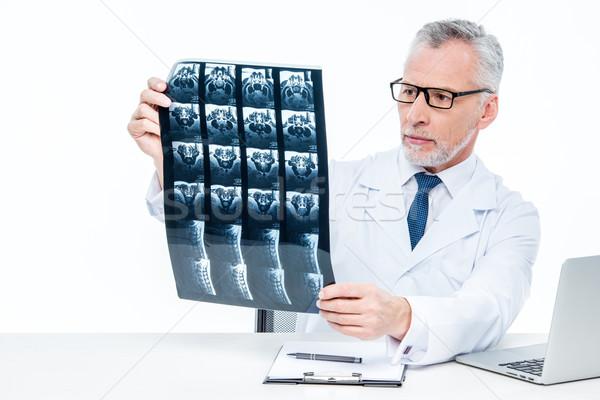 врач Xray изображение зрелый сидят Сток-фото © LightFieldStudios