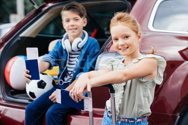 Kinderen vlucht tickets aanbiddelijk weinig bagage Stockfoto © LightFieldStudios